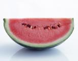イアトリズム事典 知っておきたい『食品と栄養』温める食品/冷やす食品 の 寒性食品 の代表 スイカ